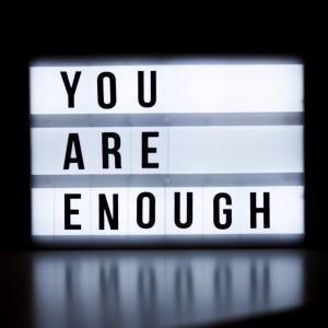 『enough』の意味と、使い方についてご紹介します。