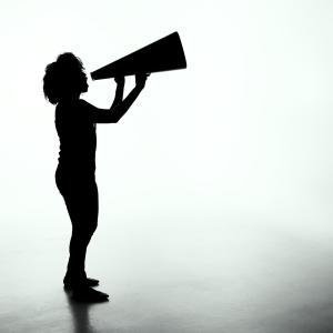 英単語「shout」ってどんな意味? ゼロから英語を学ぼう!!