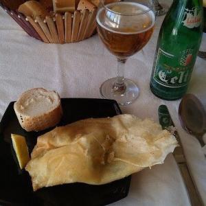 チュニジア3-9名物料理のランチ
