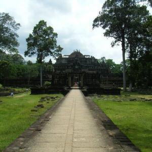 カンボジア4-6バプーオン寺院の上へ【過去編】