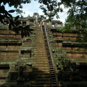 カンボジア4-7ピミアナカスの上とアンコール・ワットへ【過去編】