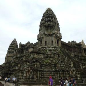 カンボジア4-8アンコール・ワットの第三回廊【過去編】