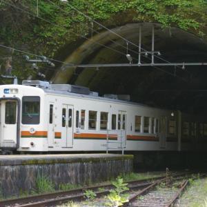 飯田線の119系の快速電車