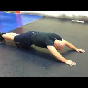 強靭な体幹を作り当たり負けない身体を作ろう お腹周りに効果的