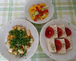 鶏肉とコーンのさっぱり炒め&トマトと豆腐のカプレーゼ