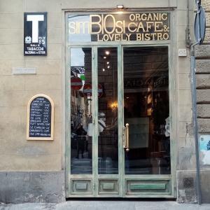 「Simbiosi Organic Cafe'」、フィレンツェの小さなオーガニックカフェ専門店