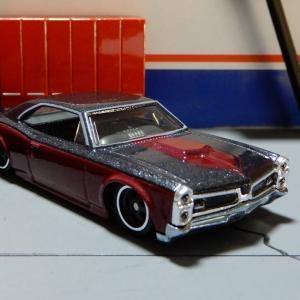 1/64 ポンティアック GTO 1966 ホットウィール