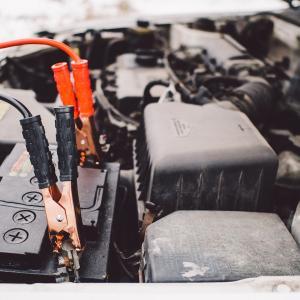 冬の車トラブルを解決!『バッテリー上がり』対策はコレ!