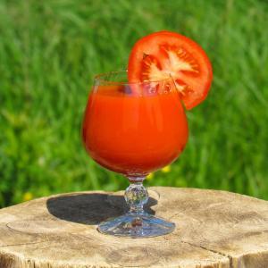 高血圧の40代がトマトジュースを飲み続けたら血圧は下がるのか?検証してみた