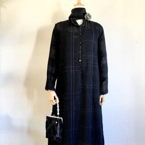 手織りでおよばれ用の服をお受けしたのは 初めてです。 どうか気に入っていただけますように。