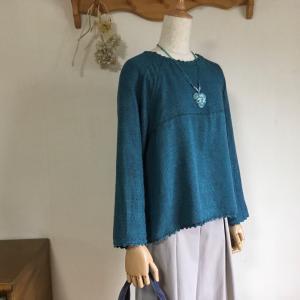 秋に 手織しおりのオンライン講座 上級がスタートです。ラグラン袖のプルオーバーは課題の一つ。