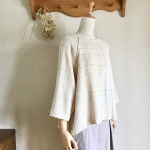 織布が足りなくても いろいろなアレンジで楽しく仕立てる 手織り服