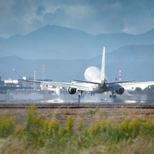 県営名古屋空港 1 of 4 旅客機