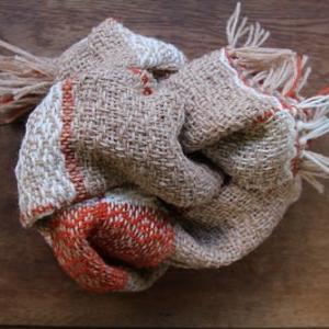同じ糸のスカーフ  似ている様で雰囲気が違う