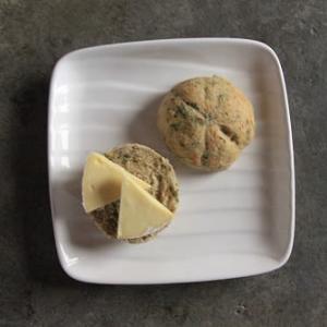 パセリ入りフランスパン風と スキムミルクお試し始め