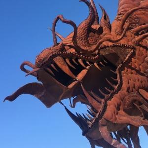 サルベーションマウンテン満喫ツアー(アンザボレゴ砂漠州立公園・イーストジーザス・デザートヒルズアウトレットにも訪問)