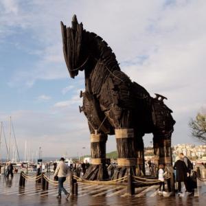 【トルコ観光】ギリシャ神話の舞台!伝説のトロイ遺跡に行ってみた!【トロイの木馬】