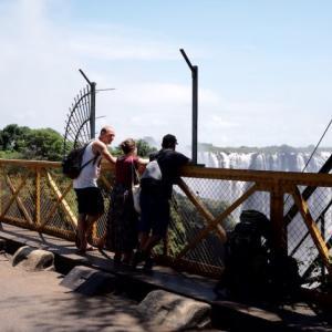 【世界一美しい国境超え】ザンビアのリヴィングストンからジンバブエへ!【2020年版】