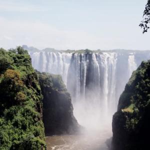 【ヴィクトリアフォールズ】ザンビアとジンバブエ、どっちが良いの?【2020年版】