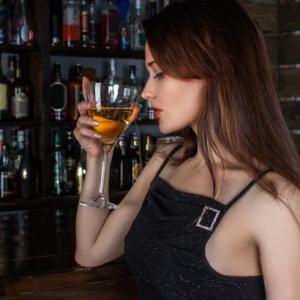 素朴なバーの疑問解決します!Part2 〜バーで飲み物を注文した時に気になるアレって何?〜