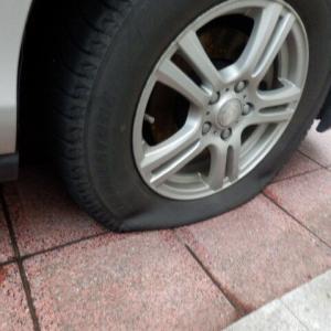 スタッドレスタイヤのパンク修理をしてみた