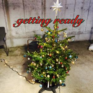 IKEAの生木のクリスマスツリー