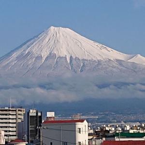 富士山やっと真っ白になった(*'▽')