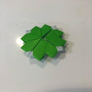 折紙で四つ葉のクローバーを作る☆彡