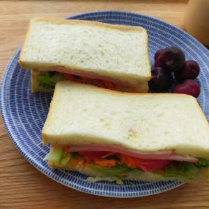 業務スーパーの激安パンでサンドイッチ/冷しゃぶ
