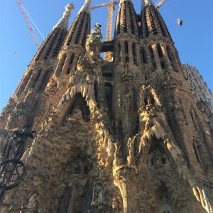 サクラダファミリア(スペイン・バルセロナ)の完成っていつになるんだ?