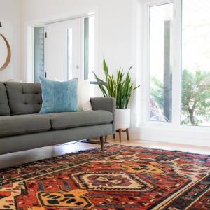 「ペルシャ」がイランの古名なら、「ペルシャ絨毯」は「イラン絨毯」だよね