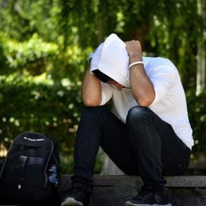 ホームレスになるより怖い「扶養照会」という日本の制度があった