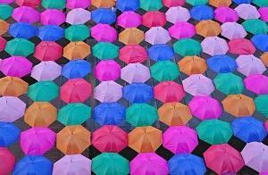男の日傘 なんで?
