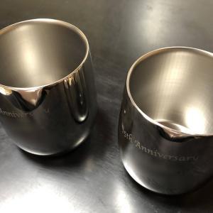 結婚15周年の記念品はステンレス製のロックカップ!
