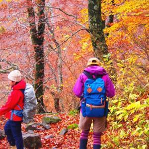 【超初心者向け】登山の服装・ウェアの基本。春・夏・秋の服装の違い