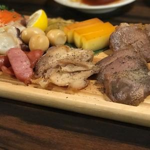 【燻し家もっくん 武蔵小杉店】燻製・串焼がメインの居酒屋