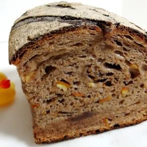ブクタンの高加水パンを味わう