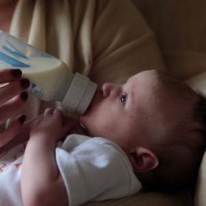 1歳2ヶ月の長男がまさかの自主卒乳!【卒乳体験談ブログその1】