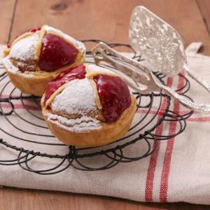 【伊勢丹新宿店B1階】「ノワ・ドゥ・ブール」がフランス伝統菓子『ポンヌフ』の発売をを9月19日より開始