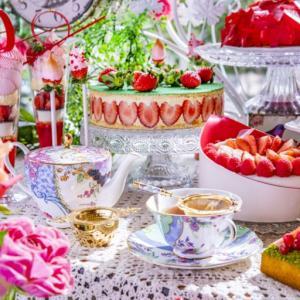 【西新宿ヒルトン東京】20種類以上の苺スイーツ!苺の祭典『RSVP.アリスからの招待状』が12月26日より開催