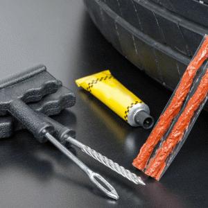 車のパンク修理キットおすすめランキング6選【セルフで修理する時の注意点も伝授!】