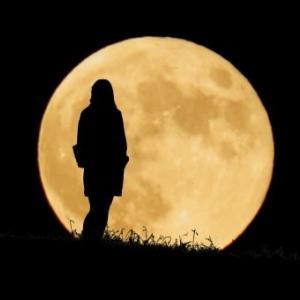 月夜のブランコ