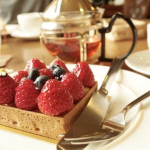 桑名の車好きオーナーによる拘りの紅茶とケーキのお店
