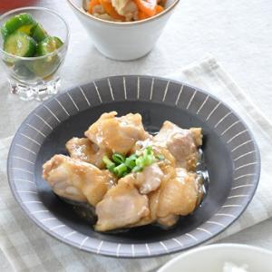 焼くだけ簡単!下ごしらえ要らず!鶏肉と玉ねぎの照り焼きがメインの献立