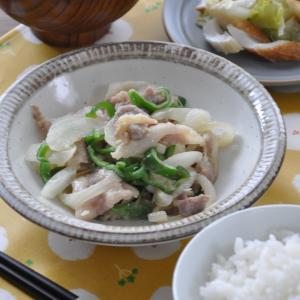 【晩ごはん献立】下味漬け込み肉でめちゃ簡単!豚こまと野菜のみそ炒め献立