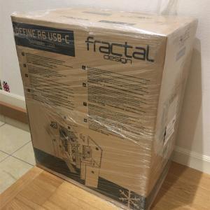 Fractal Design Define R6が届く