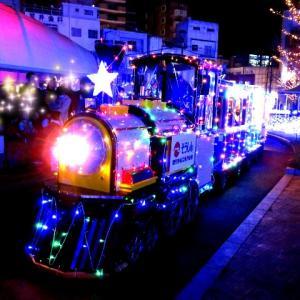 鹿児島市のイルミネーションが綺麗な公園で、子供達と光る電車にのってきた
