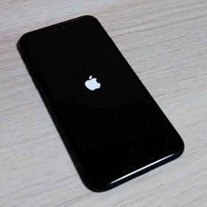 iPhone11に変えようとした矢先、iPhone8がリンゴループに陥りやがった…!