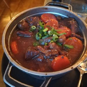 パリでブルゴーニュ風牛肉の赤ワイン煮を