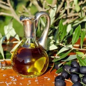 オリーブオイルの代用品にごま油・サラダ油は使える?パスタを作る時は何がいい?